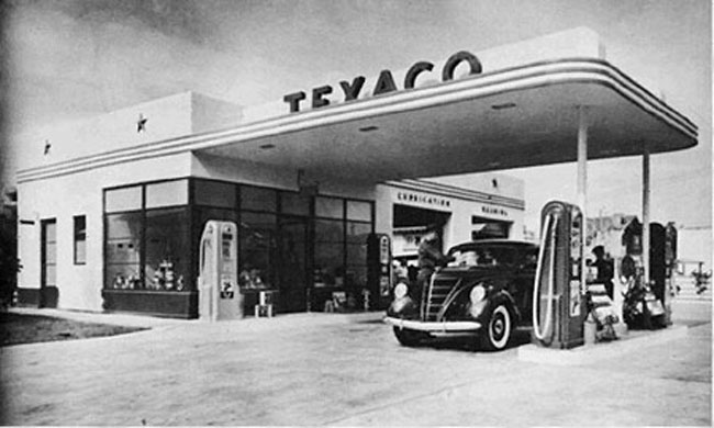 texaco_old_retro_gas_station_1_25_scale_model_5.jpg