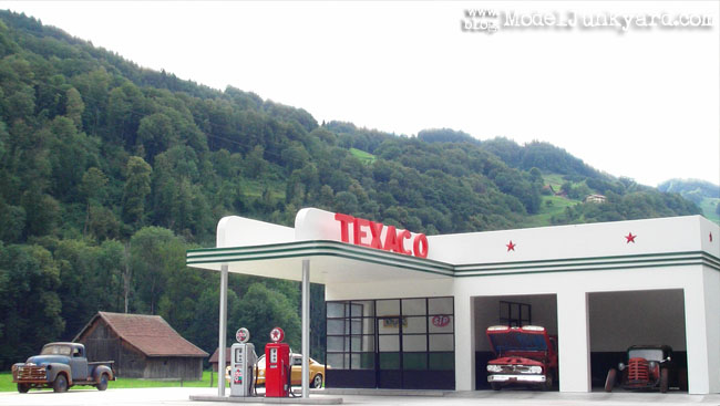 texaco_old_retro_gas_station_1_25_scale_model_26.jpg
