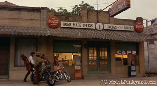 Post image for Easy Rider – 1969 – Lot's of diorama inspiration [the full movie]