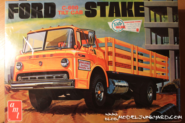 Post image for Kit Review: Ford C-600 Tilt Cab by AMT
