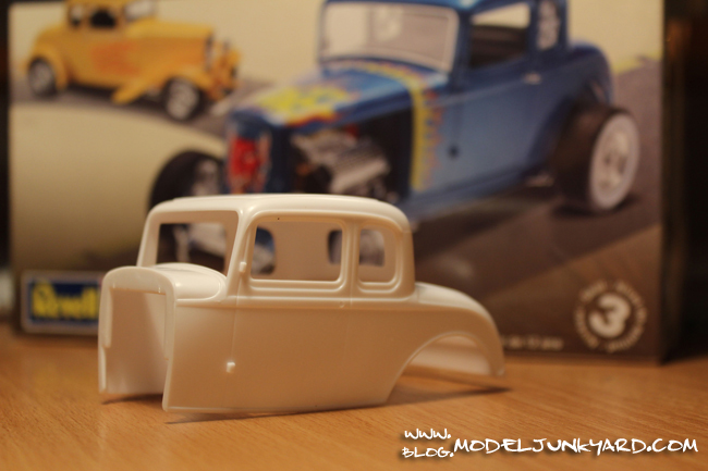 Kit review 32 ford 5 window coupe by revell for 1932 5 window coupe kit cars
