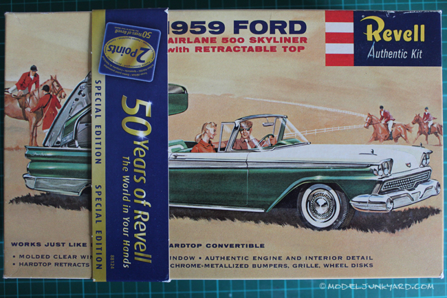 Post image for Kit Review – 1959 Ford Fairlane Skyliner by Revell in 1/25 scale