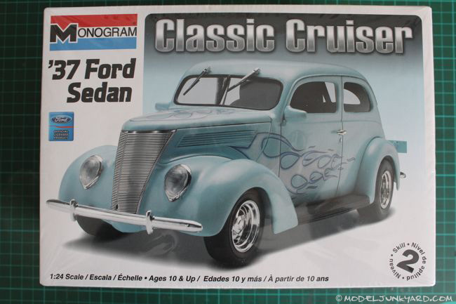 Post image for 1937 Ford Sedan 1/24 by Monogram