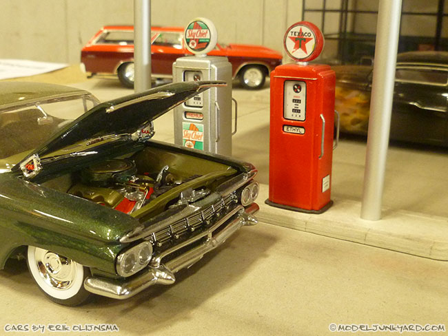 jabbeke-2013-texaco-gas-station-diorama-cars-by-erik-01-impala