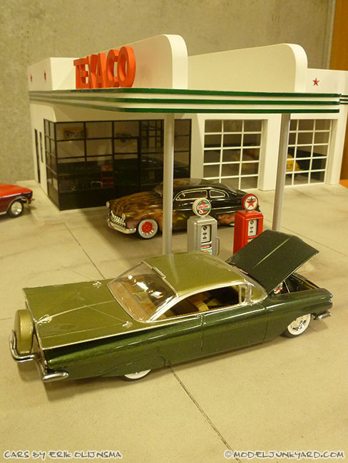 jabbeke-2013-texaco-gas-station-diorama-cars-by-erik-04-impala