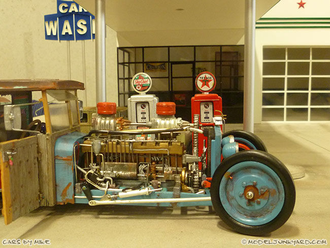 jabbeke-2013-texaco-gas-station-diorama-cars-by-mikeof55-04-rat-rod