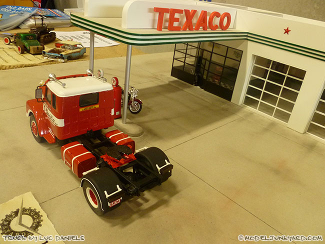 jabbeke-2013-texaco-gas-station-diorama-truck-by-luc-01-scania