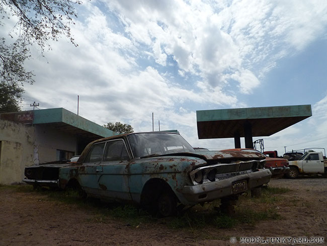 Post image for Vintage gas station turned into a junkyard in Bernardo Larroude, La Pampa, Argentina