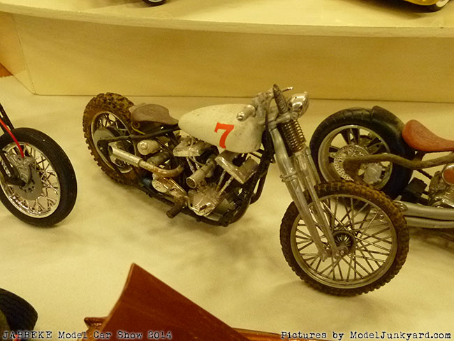 jabbeke-2014-on-the-road-scale-model-car-show-bikes-008