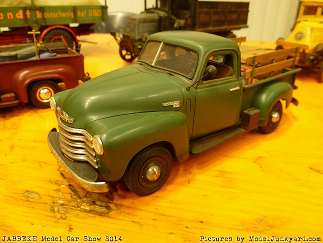 jabbeke-2014-on-the-road-scale-model-car-show-pick-ups-005