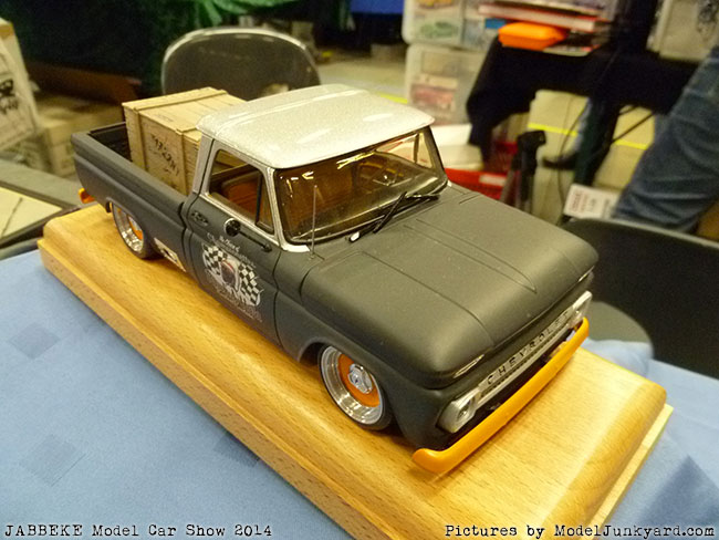 jabbeke-2014-on-the-road-scale-model-car-show-pick-ups-032