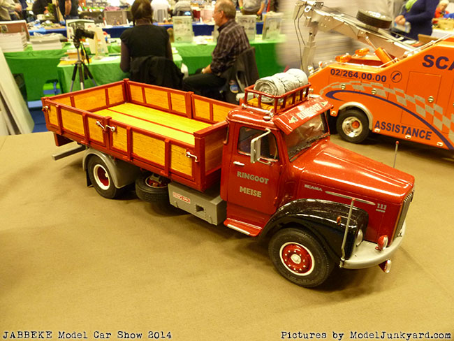 jabbeke-2014-on-the-road-scale-model-car-show-trucks-rigs-trailers011
