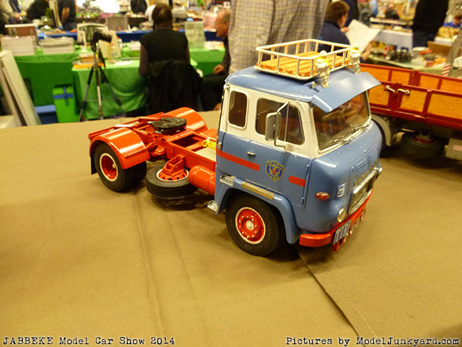 jabbeke-2014-on-the-road-scale-model-car-show-trucks-rigs-trailers012