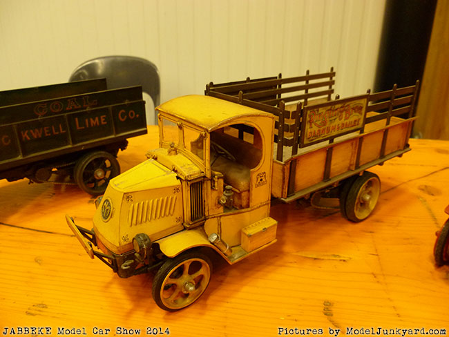 jabbeke-2014-on-the-road-scale-model-car-show-trucks-rigs-trailers019