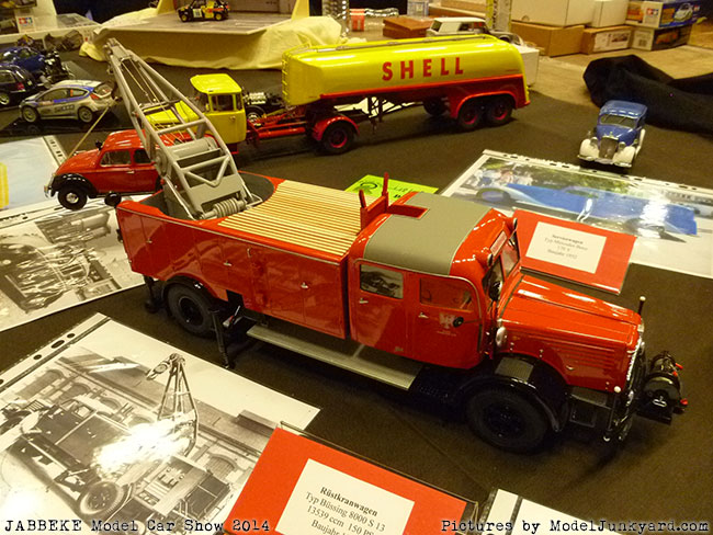 jabbeke-2014-on-the-road-scale-model-car-show-trucks-rigs-trailers040
