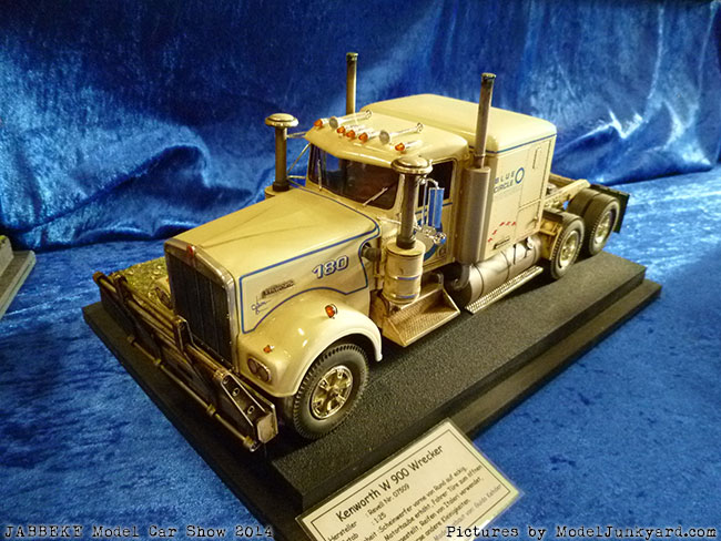 jabbeke-2014-on-the-road-scale-model-car-show-trucks-rigs-trailers060