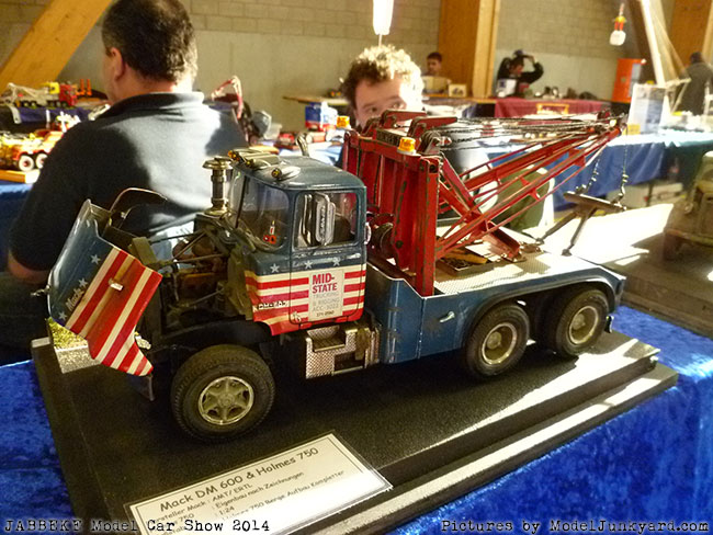 jabbeke-2014-on-the-road-scale-model-car-show-trucks-rigs-trailers063