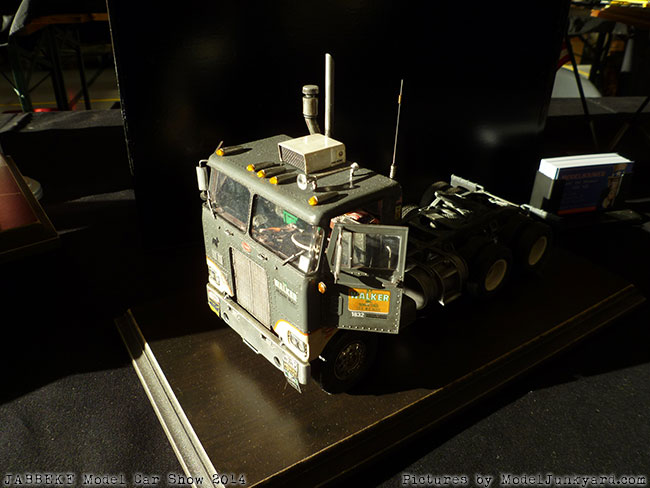 jabbeke-2014-on-the-road-scale-model-car-show-trucks-rigs-trailers070