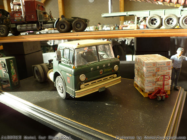 jabbeke-2014-on-the-road-scale-model-car-show-trucks-rigs-trailers072