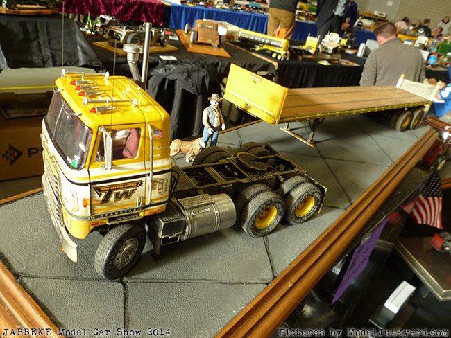 jabbeke-2014-on-the-road-scale-model-car-show-trucks-rigs-trailers081