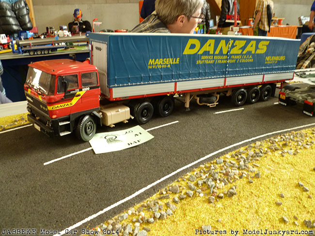 jabbeke-2014-on-the-road-scale-model-car-show-trucks-rigs-trailers093