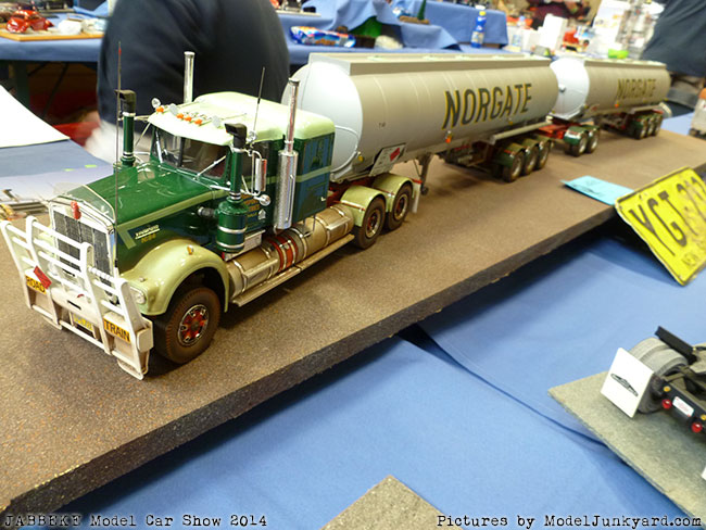 jabbeke-2014-on-the-road-scale-model-car-show-trucks-rigs-trailers106