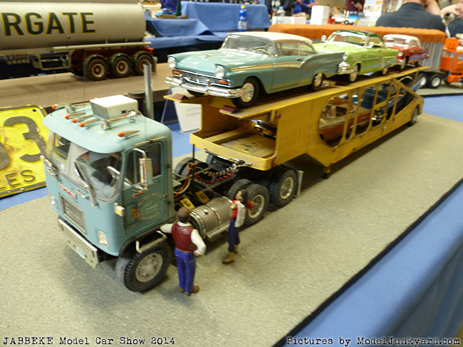 jabbeke-2014-on-the-road-scale-model-car-show-trucks-rigs-trailers107