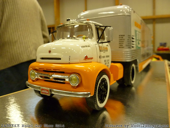 jabbeke-2014-on-the-road-scale-model-car-show-trucks-rigs-trailers170