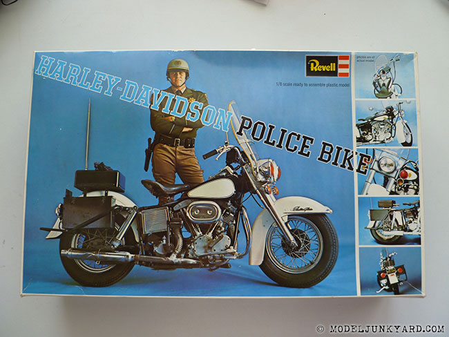 Post image for KIT REVIEW – Harley Davidson Police bike 1/8 by Revell (1227)