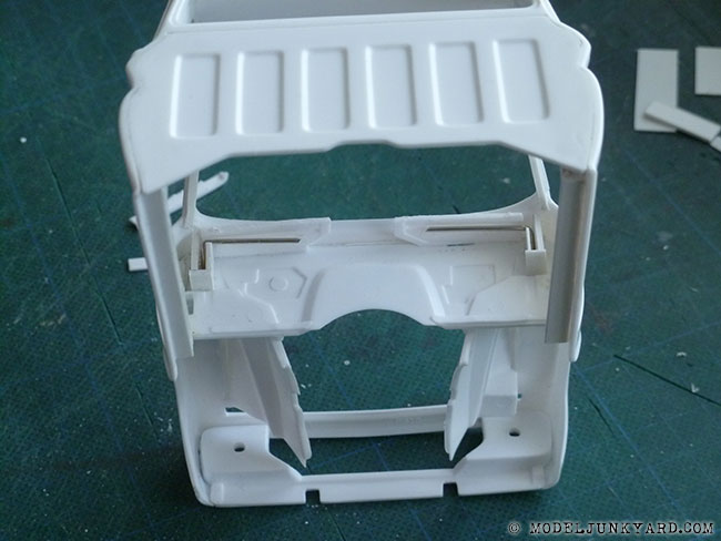64-chevy-pickup-fleetside-hood-hinges-revell-1-25-scale-03