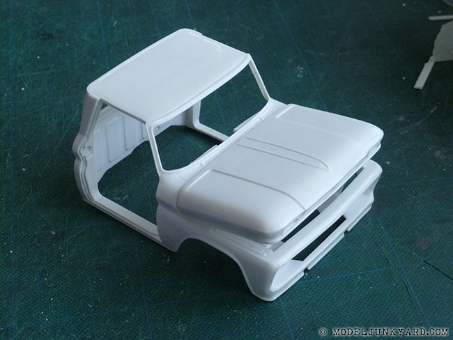 64-chevy-pickup-fleetside-hood-hinges-revell-1-25-scale-11