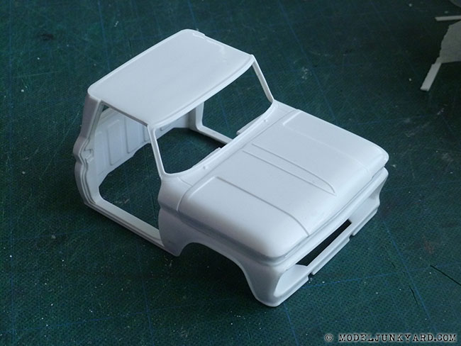 64-chevy-pickup-fleetside-hood-hinges-revell-1-25-scale-12