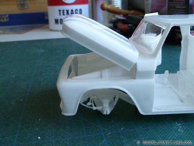 64-chevy-pickup-fleetside-hood-hinges-revell-1-25-scale-16