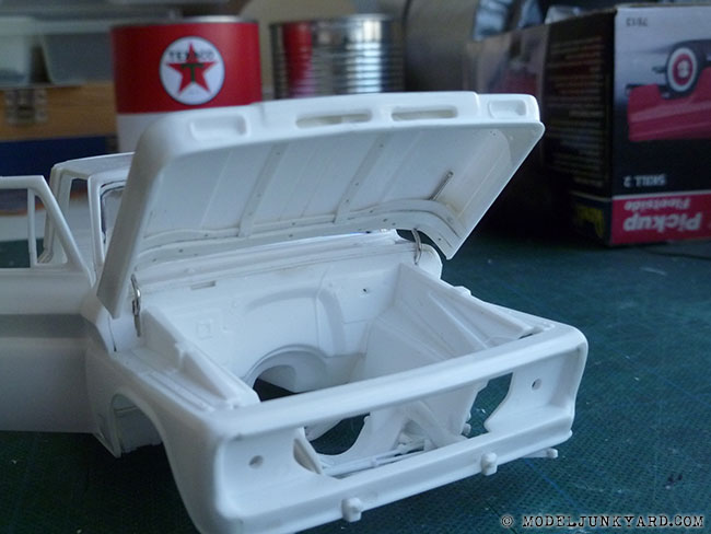 Post image for '64 Chevy Pickup Fleetside – Revell kit – hood hinges [6]